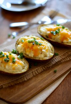 Cauliflower Twice Baked Potatoes are a delicious alternative to the traditional Twice Baked Potatoes. The filling, instead of mashed potatoes, is compromised of pureed cauliflower and only 6 other ingredients! Super healthy and satisfying!