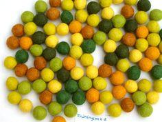 http://de.dawanda.com/product/27180341-100-stueck-filz-kugel-fruehling-2