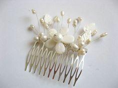 Pieptan pentru mireasa cu floare sidef 22704 – Cadouri HandMade Crown Hairstyles, Hair Accessories, Earrings, Hair Bands, Model, Crowns, Beauty, Jewelry, Ear Rings
