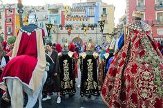 Existen muchas celebraciones de Moros y Cristianos en el litoral levantino pero pocas como la que se vive en La Vila Joiosa, en Alacant, con más de 250 años de antigüedad y declarada de Interés Turístico Internacional.