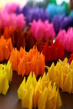 origami cranes / photohito