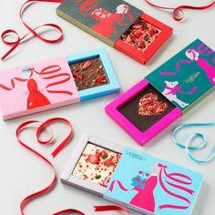 LOVEが溢れるハートモチーフのロマンティックチョコレートスイーツショップ前編 Dessert Packaging, Candy Packaging, Cool Packaging, Luxury Packaging, Chocolate Packaging, Food Packaging Design, Cosmetic Packaging, Jewelry Packaging, Packaging Design Inspiration