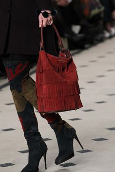 Burberry Fall 2015 Ready-to-Wear Fashion Show Details