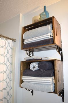 Etonnant Love This Idea For Using Inexpensive Wood Crates As Bathrooms Shelving.