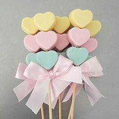 Photos and Videos Unicorn Birthday Parties, Unicorn Party, Marshmallow Pops, Ideas Para Fiestas, Candy Party, Candy Colors, First Birthdays, Baby Shower, Valentines