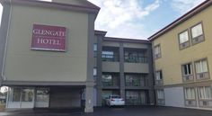 The Glengate Hotel & Suites Niagara Falls Within walking distance of the Fallsview Casino, this hotel offers free WiFi and a daily continental breakfast.  All guest rooms are non-smoking and feature satellite TV.