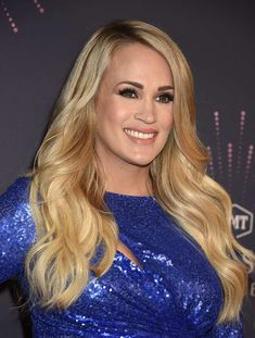"""61 of Our Favorite Red Carpet Photos From CMT's """"Artists of the Year"""" Celebration Carrie Underwood Feet, Carrie Underwood Family, Carrie Underwood New Album, Carrie Underwood Pictures, Country Female Singers, Cole And Savannah, Country Girls, Country Music, Celebs"""
