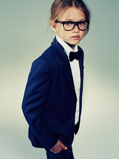 Little girls in Bow ties Individual fashion sense is so important. Unicorns and pink, or Shrek and suits. Moda Tween, Tween Mode, Kids Fashion Boy, Tween Fashion, Girl Fashion, Tomboy Fashion, Style Fashion, Bebe Love, Shrek