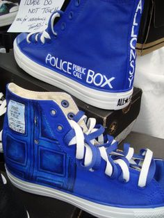 Doctor Who TARDIS Shoes. If converse can make Dr. Seuss shoes, they could do some Doctor Who shoes too! Dr Shoes, Converse Shoes, Converse Outlet, Custom Converse, Crazy Shoes, Converse High, Custom Shoes, Zooey Deschanel, Rockabilly