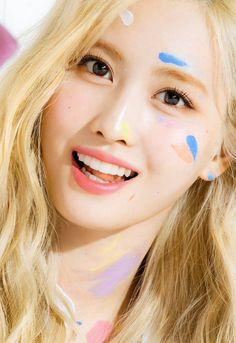 Double Cartilage Piercing, Cute Ear Piercings, Multiple Ear Piercings, Dermal Piercing, Tongue Piercings, Cartilage Piercings, Nayeon, Kpop Girl Groups, Korean Girl Groups