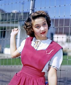 Jane Powell is one of my all time favorite actresses! Old Hollywood Stars, Golden Age Of Hollywood, Vintage Hollywood, Hollywood Glamour, Classic Hollywood, Jane Powell, Glamour Hollywoodien, Vintage Glamour, Classic Actresses