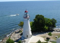 fantastic view of Marblehead Lighthouse, in Marblehead, Ohio near Port Clinton! Marblehead Ohio, Marblehead Lighthouse, Catawba Island, Lighthouse Photos, Vacation Places, Vacation Ideas, Vacations, Cedar Point, Unusual Homes