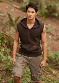 FOREVER TWILIGHT IN FORKS is very excited to announce our festival guest from The Twilight Saga, actor Booboo Stewart, who portrayed Stephenie Meyer's Quileute shape-shifter Seth Clearwater in Eclipse and Breaking Dawn. Please join us for all of our events celebrating ten years of TWILIGHT. Twilight Edward, Twilight Saga, Taylor Lautner, Robert Pattinson, Kristen Stewart, Twilight Wolf Pack, X Men, Teenage Boy Fashion, Twilight Quotes