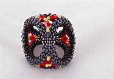 Платочные зажимы от ЕленыМК   biser.info - всё о бисере и бисерном творчестве Beaded Beads, Beaded Rings, Beads And Wire, Pearl Beads, Beading Projects, Beading Tutorials, Beading Patterns, Beaded Jewelry Designs, Peyote Beading