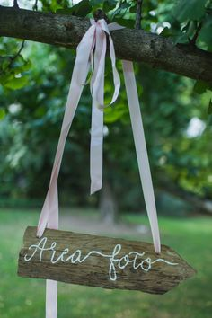matrimonio vintage in giardino wedding wonderland 26 Wedding Wonderland Vintage Wedding Signs, Vintage Signs, Vintage Decor, Vintage Style, Rustic Italian Wedding, Photo Boots, Vintage Home Accessories, Chapel Wedding, Wedding Venues