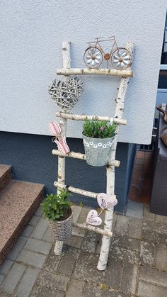 Mailbox Planter, Diy And Crafts, Arts And Crafts, Deck Decorating, Garden Planters, Wooden Diy, Wood Art, Ladder Decor, Home And Garden