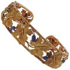 An gold leaf motif bracelet crafted by Buccellati, featuring carved sapphire. Will fit up to wrist. Marked Buccellati Weight is grams. Bracelet Crafts, Jewelry Bracelets, Jewellery, Modern Jewelry, Metal Jewelry, Band Tattoos For Men, Sapphire Bracelet, Diamond Cuts, 18k Gold