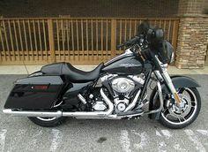 2013. Harley Davidson street. Glide