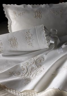 Beautiful linens with beautiful monograms! beau linge a l ancienne,,,, Monogram Bedding, Embroidered Bedding, Linens And Lace, Fine Linens, Shades Of White, Linen Bedding, Bed Linens, Bedding Sets, Bed Pillows
