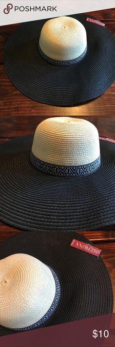 NWT Merona floppy sun hat Adorable Merona sun hat NWT. Tan top, boho band and black rim. Head circumference approximately 24 1/4. Merona Accessories Hats