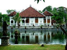 Bali waterpalace of Ujung