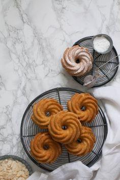 Receta detallada para hacer turrón de Alicante casero o tortas imperiales con almendra y miel. receta perfecta para Navidad. Ingredientes sencillos.