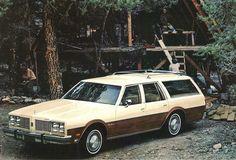 1977 Oldsmobile Custom Cruiser Station Wagon