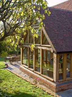 Extensions Design Guide - few different ideas Garden Room Extensions, House Extensions, Oak Framed Extensions, Cottage Extension, Oak Framed Buildings, Oak Frame House, Casa Patio, Sunroom Decorating, Extension Designs
