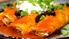 So easy. Keto enchiladas have all the wonderful flavors. Step-by-step guide for how to make low carb enchiladas/ keto enchiladas with homemade low carb tortillas, keto enchilada sauce, chicken & cheese! Best Chicken Enchilada Recipe, Can Chicken Recipes, Red Enchilada Sauce, Enchilada Recipes, Keto Chicken, Rotisserie Chicken, Mexican Food Recipes, Dinner Recipes, Ethnic Recipes