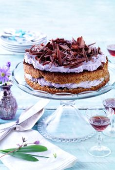 Påskekake: 5 fantastiske kaker som smelter i munnen! Healthy Cake Recipes, Sweet Recipes, Delicious Desserts, Dessert Recipes, Yummy Food, Danish Cuisine, Danish Food, Danish Cake, Cake Cookies