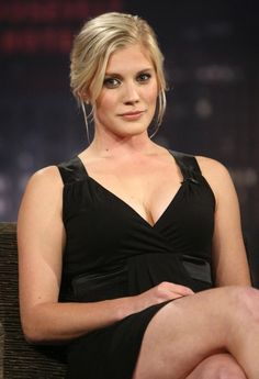 Kathryn Ann Katee Sackhoff is an American actress known mainly for playing Captain Kara Starbuck Thrace on the Sci Fi Channels television program Battlestar Galactica. Battlestar Galactica, Blond, Celebs, Celebrities, Celebrity Pictures, Beautiful Actresses, American Actress, Actors & Actresses, Fashion Models