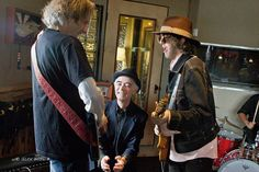 The Case Of The Incredibly Shrinking Lead Singer starring BP Fallon with Bandits guitarists Lenny Kaye & Aaron Lee Tasjan in full twang and height, Red Horse Ranch,Texas by bp fallon, via Flickr