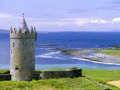 Doonagoore Castle, County Clare, Munster, Republic of Ireland (Eire)