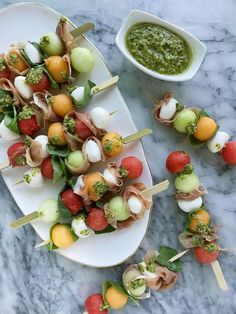 This Melon Caprese Skewer recipe combines two classic Italian ingredient combos with a fresh melon twist to make the ultimate summer appetizer — especially when paired with a chilled glass of Kendall-Jackson Vintner's Reserve Chardonnay. Skewer Appetizers, Skewer Recipes, Italian Appetizers, Appetizer Recipes, Caprese Skewers, Kendall Jackson, Gluten Free Puff Pastry, Summer Snacks, Snacks Für Party