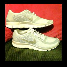 White and silver Nike Free 5.0 with custom Bling💎 Like new white and  silver Nike 4ecdb19f08f2
