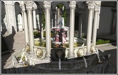 Cleansing fountain made of porphyry (a stone which is both an imperial and a celebratory symbol).