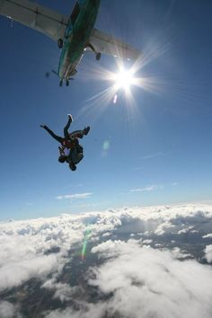 Love me some Sky Dive Hawaii :)    http://www.youtube.com/watch?v=OlXHp3H3o2w=g-upl