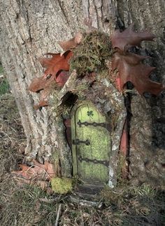 FAIRY DOOR -  with four leaf clover, perfect for leprechauns.. $35.00, via Etsy.