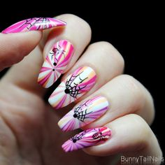 BunnyTailNails: Water Marbling – How to win yourself and stick your fingers in a cup of water!