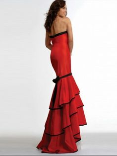 red dress done right...  (my future flamenco sexy dress)