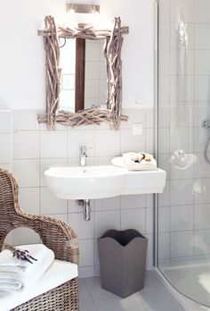 Lawendowo Wc Bathroom, Country Homes, Laundry, Vanity, Travel, Country Cottages, Laundry Room, Dressing Tables, Powder Room