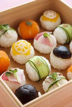 °I LOVE SUSHI° : Photo Sushi Recipes, Vegetarian Recipes, Sushi Vegetariano, Dessert Chef, Dessert Sushi, Cute Food, Yummy Food, Homemade Sushi, Fun Easy Recipes