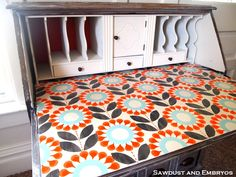 Stenciled desk...My lil miss has a desk like this and I want to paint it and do a stencil like this on the inside. :)