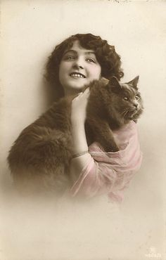 My Restless Gypsy Life: Vintage Cat and women