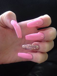 LOVE THIS PINK AND GLITTER!