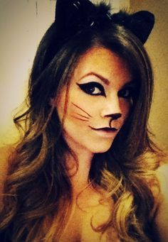 12 Last Minute Easy Halloween Makeup Ideas & Looks 2018 - Idea Halloween Cat Costume Makeup, Cat Halloween Makeup, Cat Costumes, Halloween Kostüm, Halloween Cosplay, Halloween Costumes, Halloween Carnival, Costume Ideas, Homemade Cat Costume