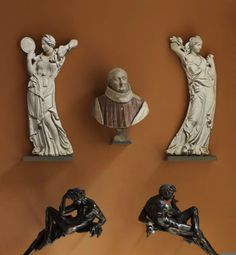Barthélemy PRIEUR  Berzieux (Marne), 1536 - Paris, 1611    Monument funéraire de Christophe de Thou (mort en 1582)   Buste, marbre rouge et blanc.   Génies, bronze.  Vertus, marbre.  H. : 0,74 m. ; L. : 1,59 m. ; Pr. : 0,32 m.