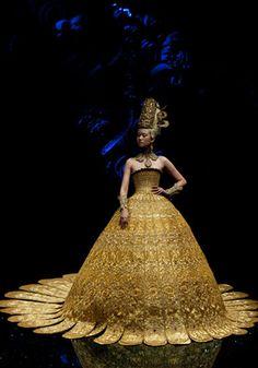 Guo Pei couture - photo cosmone.com