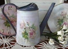 Купить или заказать Лейка Розовая Мечта в интернет-магазине на Ярмарке Мастеров. Лейка -декупаж, декорирована в стиле шебби- шик, покрыта несколькими слоями лака, финишное покрытие американским герметиком, готова к пользованию.