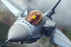 Close-up with a Polish CJ Viper (F-16C) | by Nir Ben-Yosef. [1024x683]
